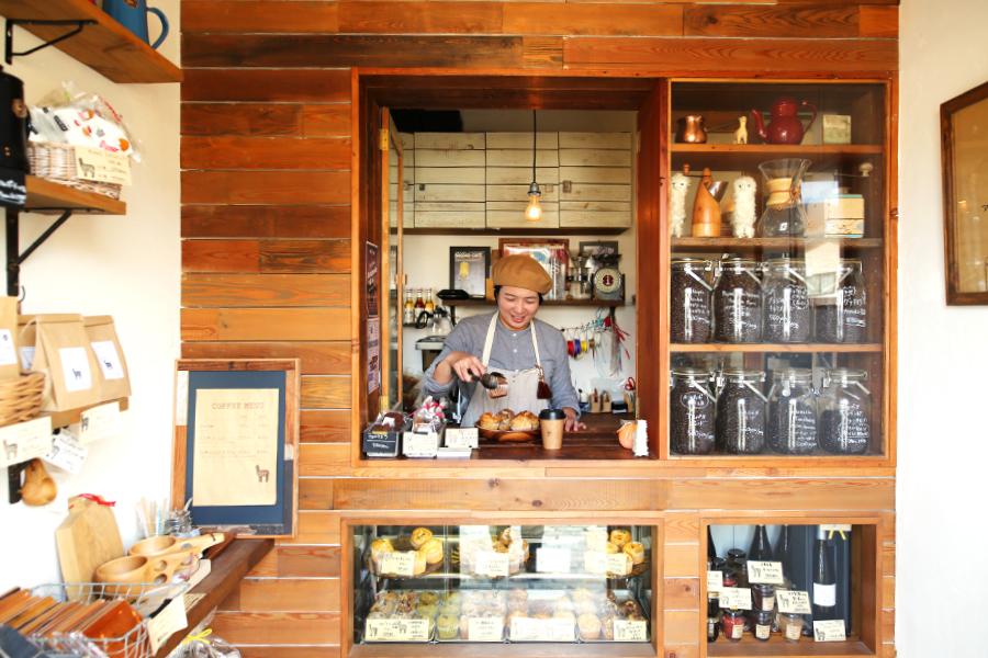 アルパカコーヒー店内